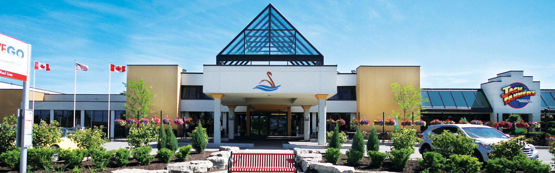 americana-hotel-entrance